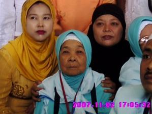 neneku dan ibuku